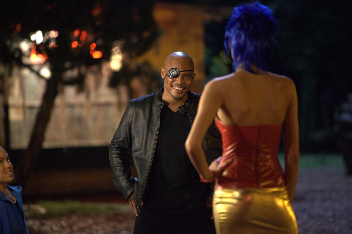 Motel: Rebecca Da Costa (di spalle) con Sticky Fingaz in una scena del film
