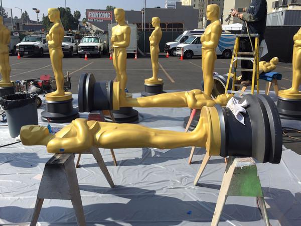 Oscar 2015: un dettaglio della preparazione degli elementi scenografici