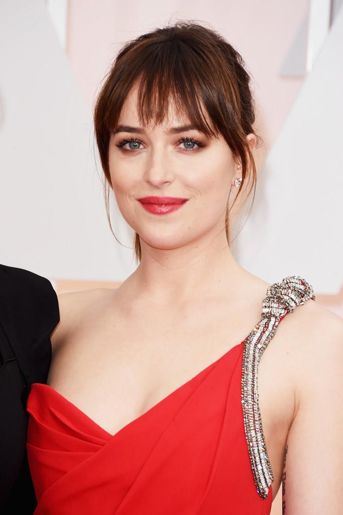 Oscar 2015 - Dakota Johnson sul red carpet