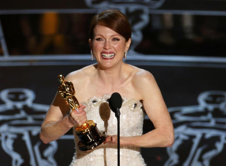 Oscar 2015 - Julianne Moore sul palco per ritirare la statuetta per Still Alice