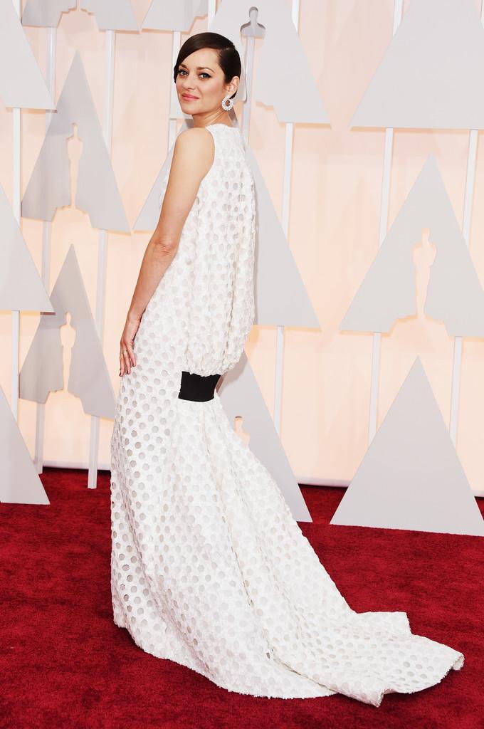 Marion Cotillard agli Oscar 2015 sul red carpet