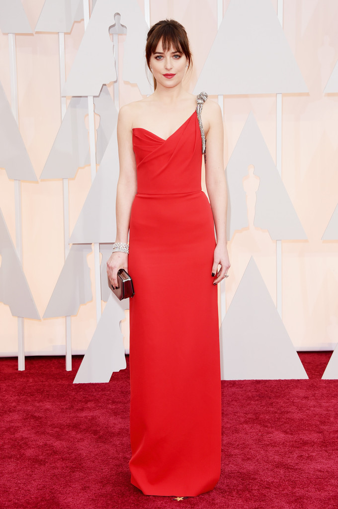 Dakota Johson agli Academy Awards 2015 sul tappeto rosso