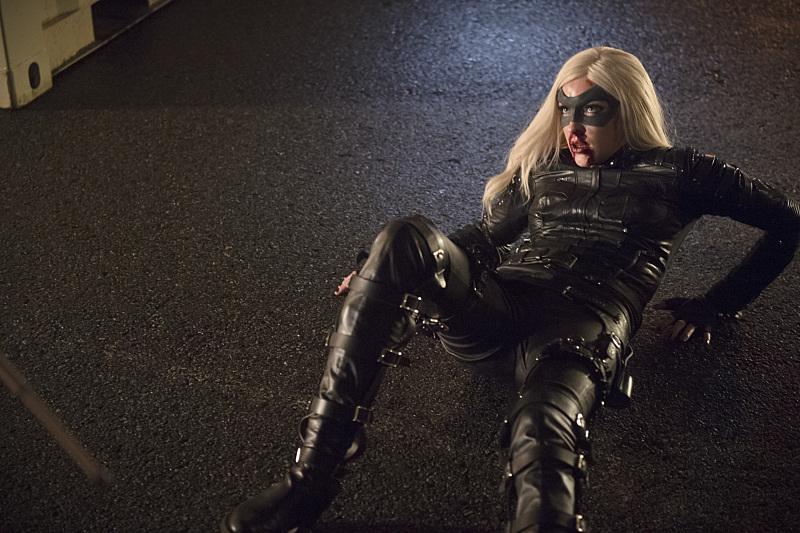 Arrow: l'attrice Katie Cassidy è Laurel in una scena di Canaries