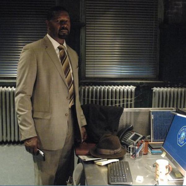 Backstrom: l'attore Dennis Haysbert in una scena dell'episodio Dragon Slayer