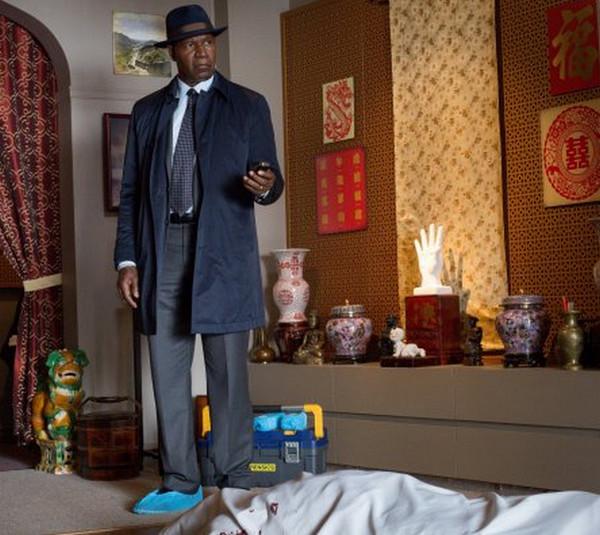 Backstrom: l'attore Dennis Haysbert in una scena di Ancient, Chinese, Secret