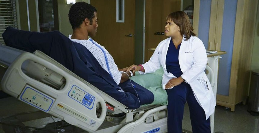 Grey's Anatomy: l'attrice Chandra Wilson in una scena dell'episodio The Great Pretender