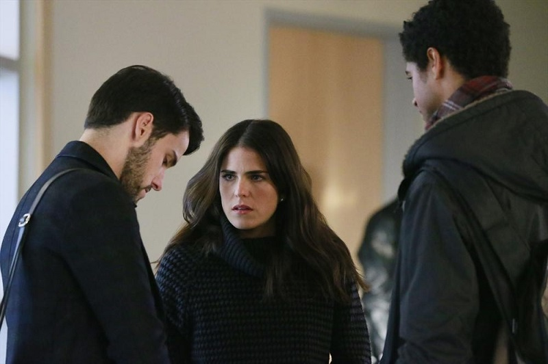 How To Get Away With Murder: Jack Falahee, Karla Souza e Alfred Enoch nell'episodio Best Christmas Ever