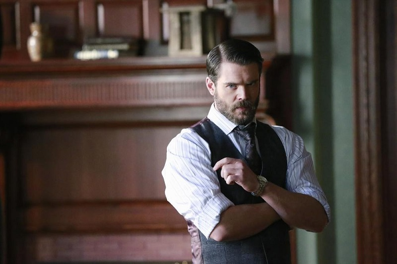 How To Get Away With Murder: Charlie Weber è Frank Delfino in Best Christmas Ever