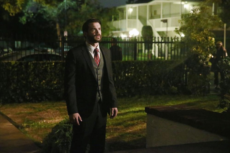 How To Get Away With Murder: l'attore Charlie Weber in una scena dell'episodio She's a Murderer