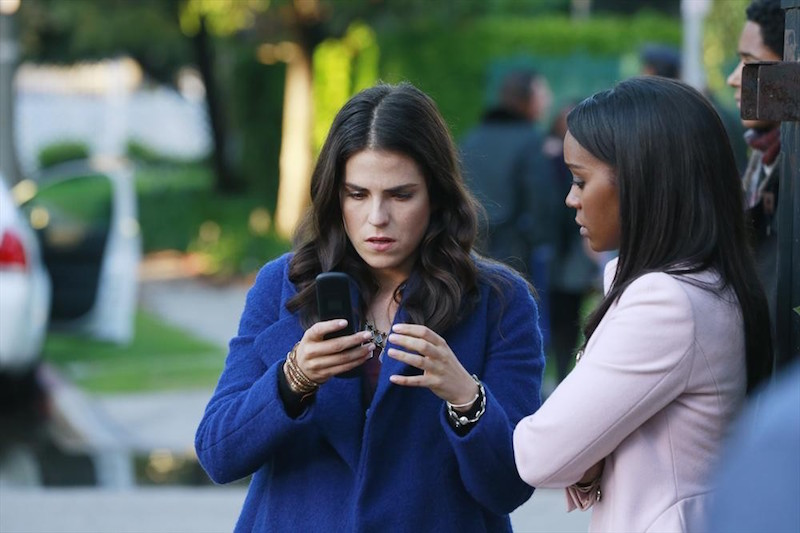 How To Get Away With Murder: le attrici Karla Souza e Aja Naomi King in She's a Murderer
