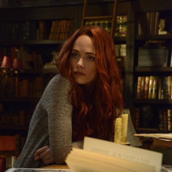 Sleepy Hollow: l'attrice Katia Winter in un'immagine dell'episodio Spellcaster