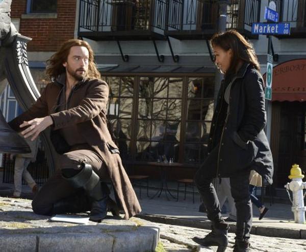 Sleepy Hollow: una scena interpretata da Tom Mison e Nicole Beharie nella puntata Awakening