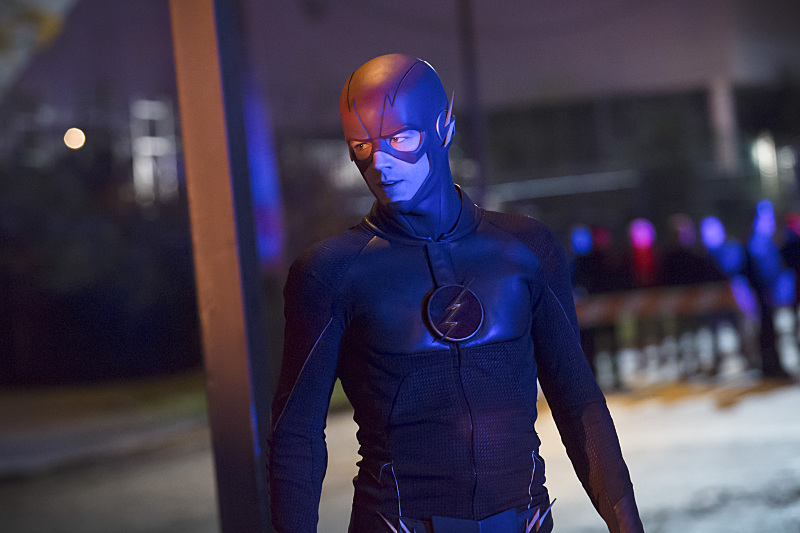 The Flash: il protagonista Grant Gustin interpreta The Flash in Crazy for You