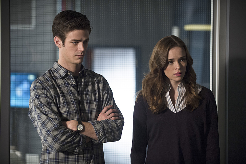 The Flash: Grant Gustin e Danielle Panabaker in The Nuclear Man