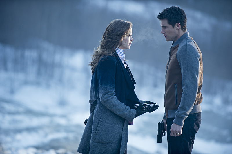 The Flash: Danielle Panabaker e Robbie Amell nell'episodio The Nuclear Man