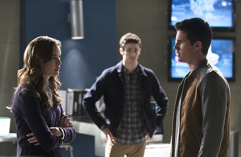 The Flash: Danielle Panabaker, Grant Gustin e Robbie Amell in The Nuclear Man