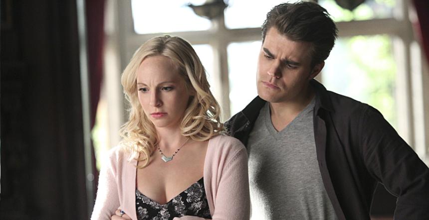 The Vampire Diaries: Candice Accola e Paul Wesley in una scena dell'episodio The Day I Tried To Live