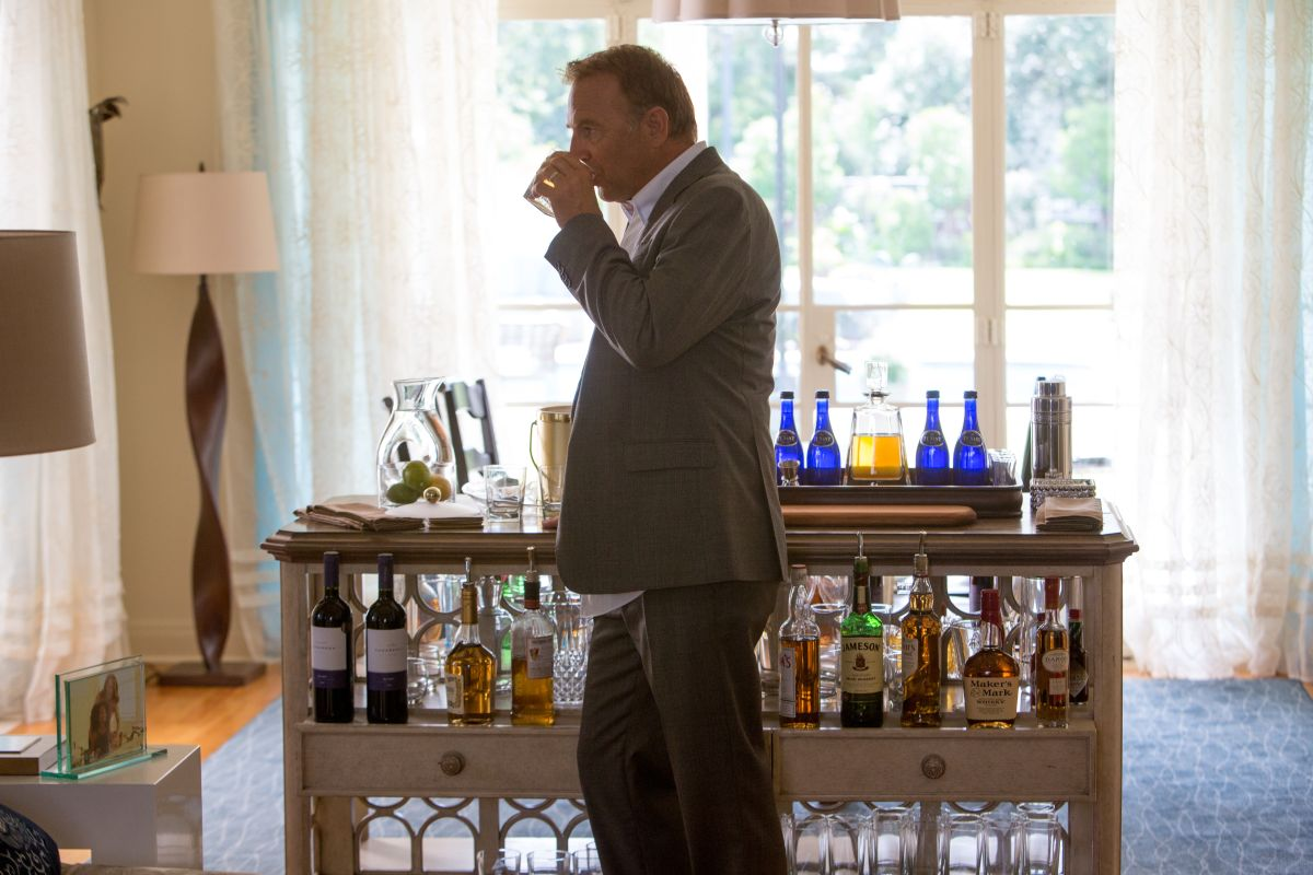 Black or White: Kevin Costner nel ruolo di Elliot Anderson in una scena