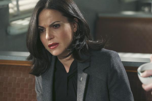 C'era una volta: Lana Parrilla in un'immagine dell'episodio Darkness on the Edge of Town
