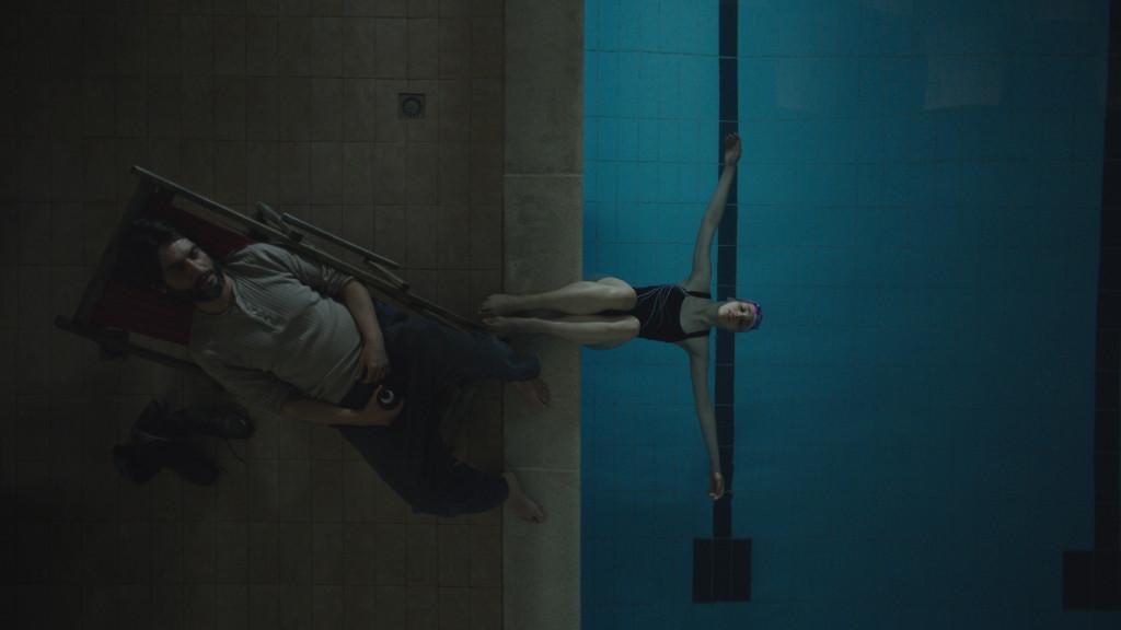 Cloro: Sara Serraiocco con Ivan Franek in una scena del film