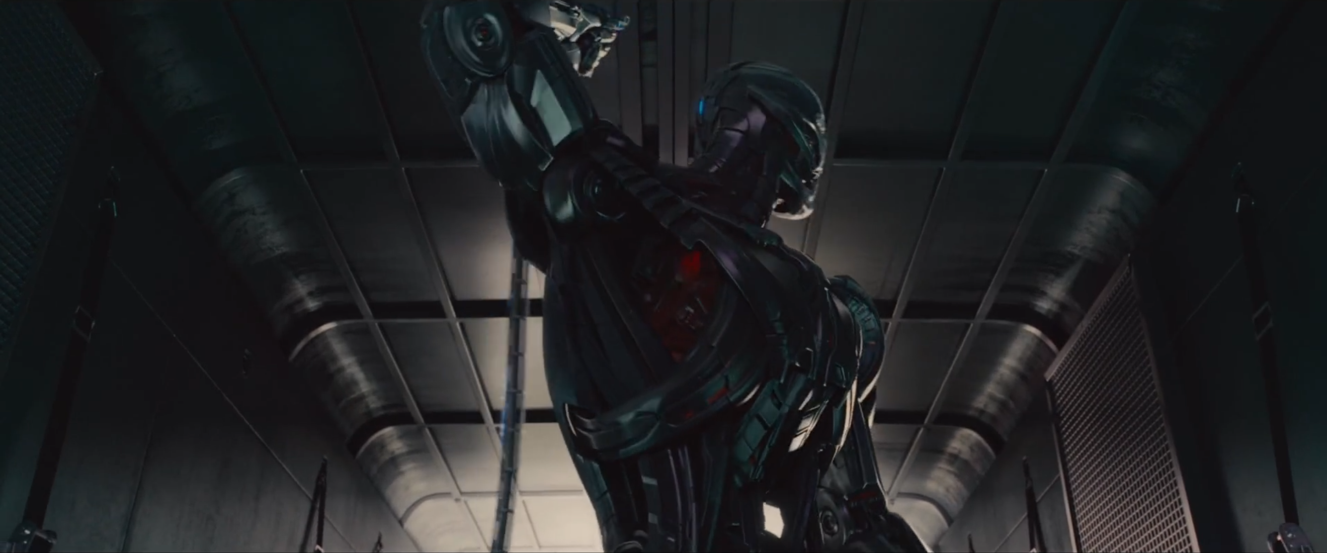Avengers: un'immagine di Ultron dal trailer