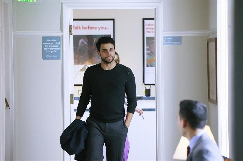 How to Get Away With Murder: Jack Falahee interpreta Connor in The Night Lila Died