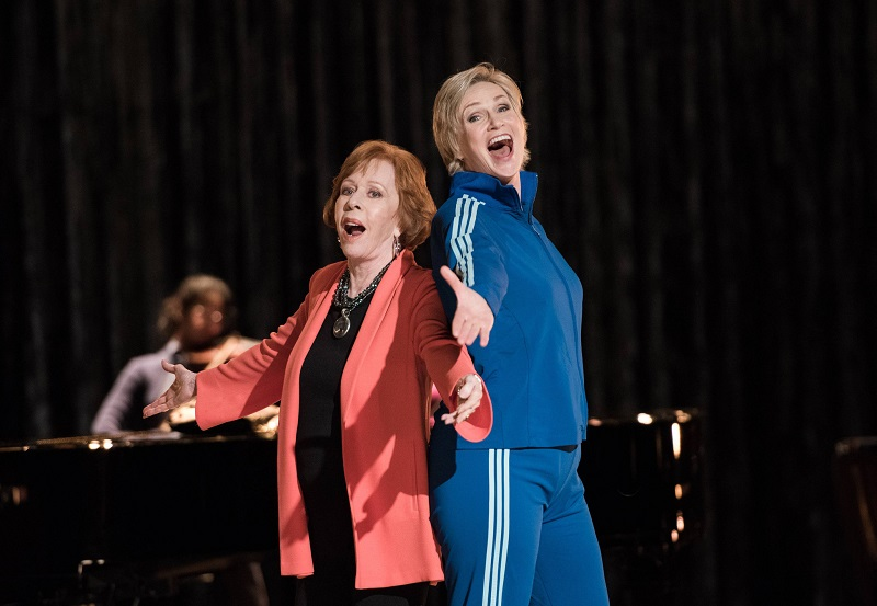 Glee: Carol Burnett e Jane Lynch in The Rise and Fall of Sue Sylvester