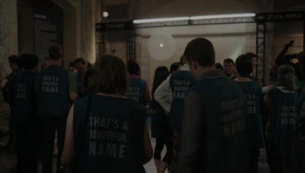 Girls: una scena tratta dalla puntata intitolata Ask Me My Name
