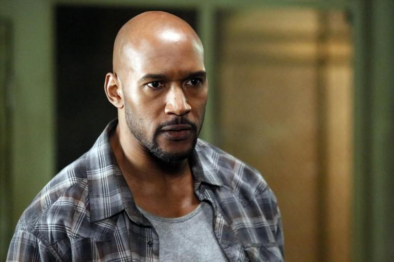 Agents of S.H.I.E.L.D.: Henry Simmons in una scena dell'episodio intitolato Aftershocks