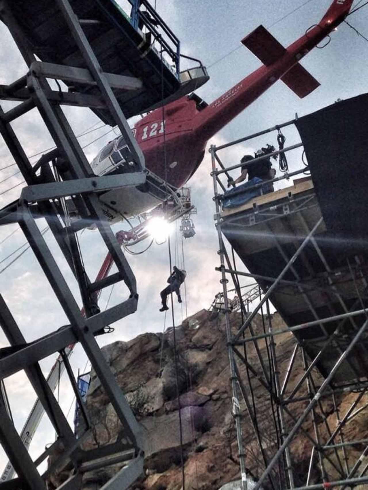San Andreas: una spettacolare sequenza che coinvolge un elicottero