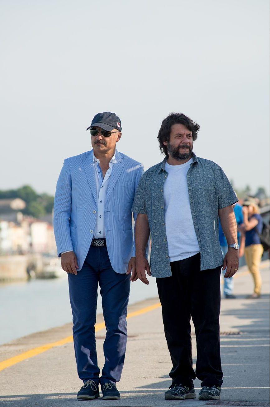 Tempo instabile con probabili schiarite: Luca Zingaretti con Pasquale Petrolo in una foto dal set