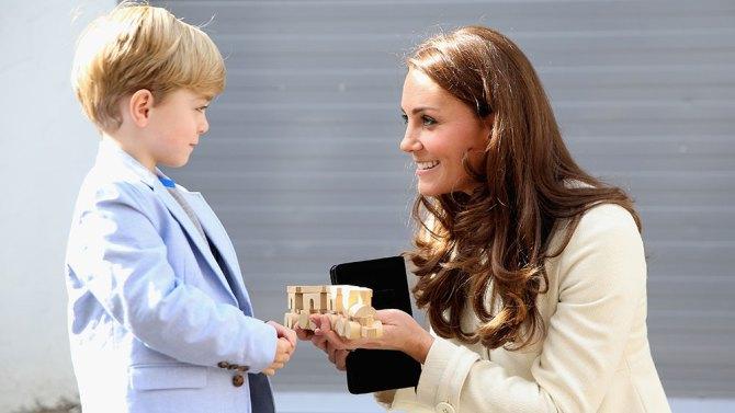 Downton Abbey: Kate Middleton con uno dei piccoli interpreti