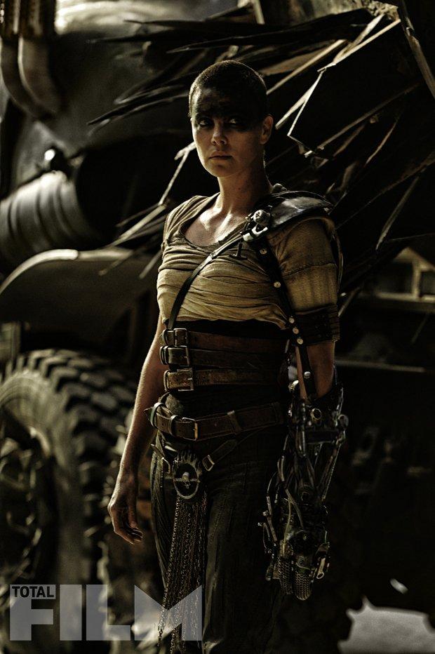 Mad Max: Fury Road - L'attrice Charlize Theron in una scena del film