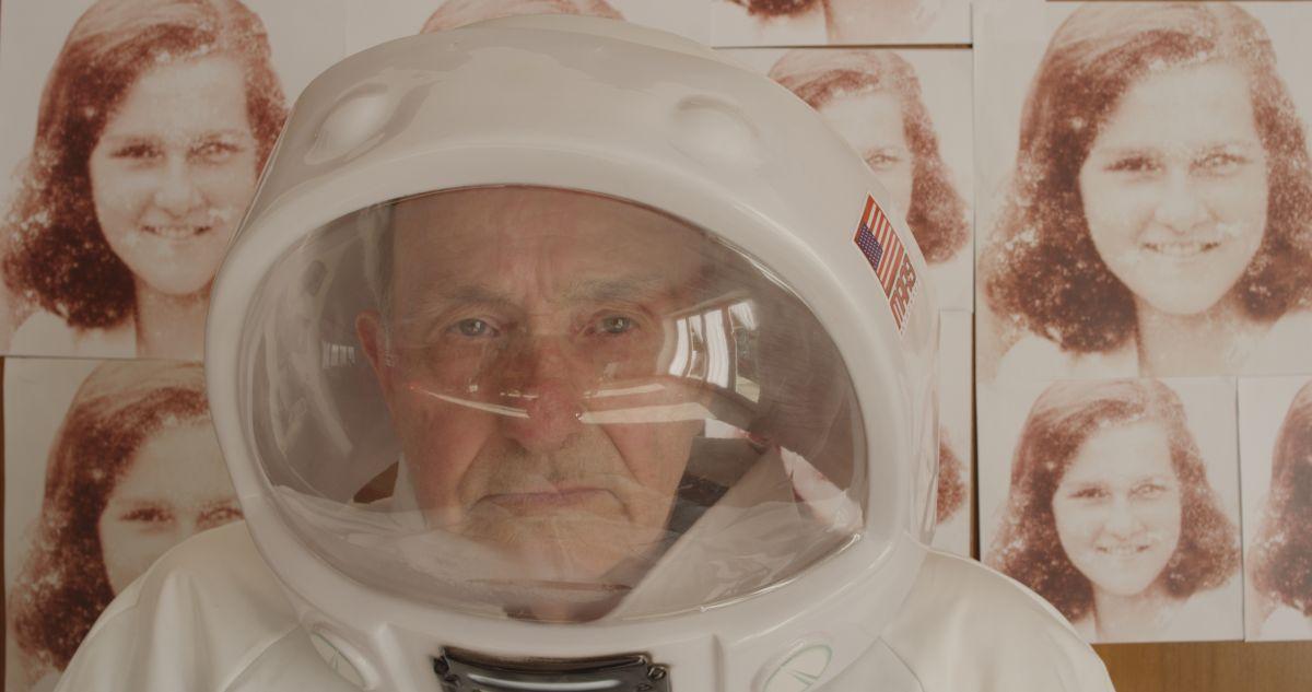 N-Capace: il padre della regista in una scena del film
