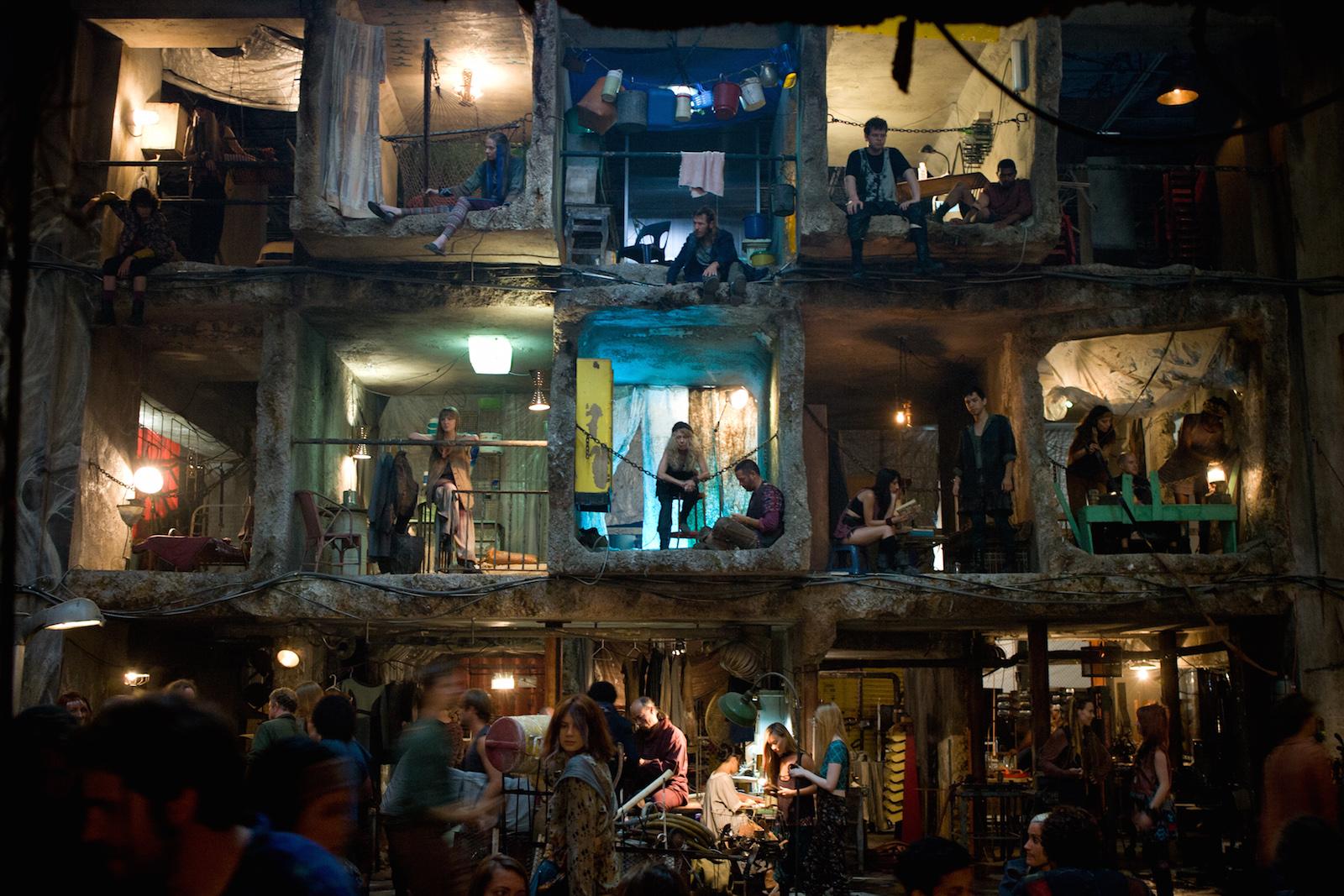 The Divergent Series - Insurgent: una scene nel quartier generale degli Esclusi