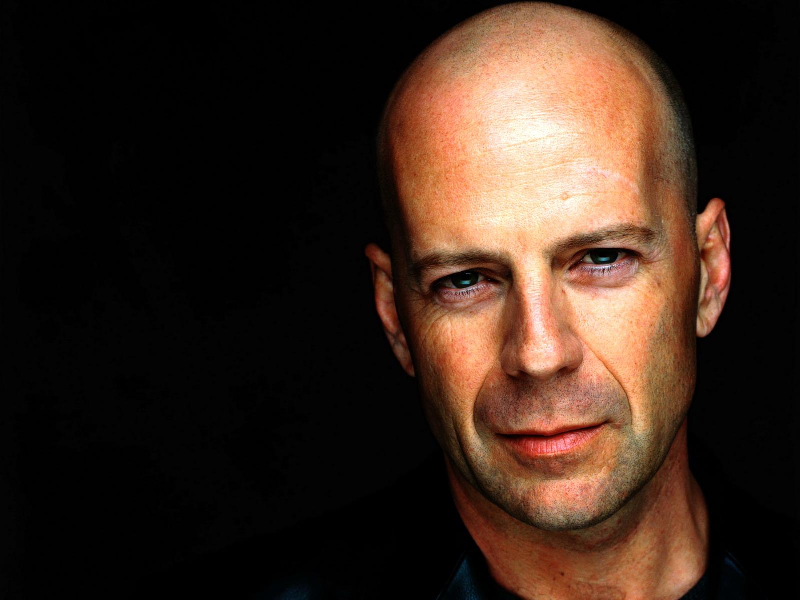 Un bel primo piano di Bruce Willis