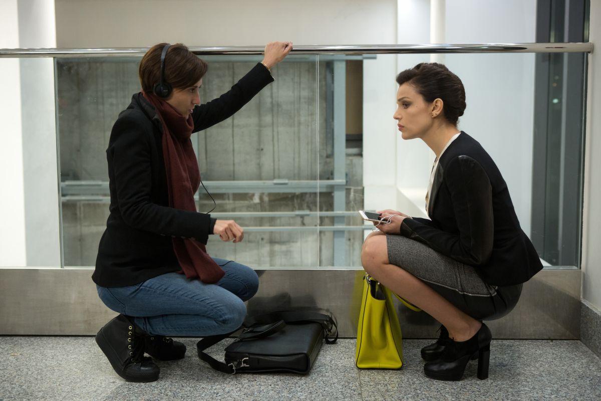Ho ucciso Napoleone: Micaela Ramazzotti con Giorgia Farina in una foto dal set
