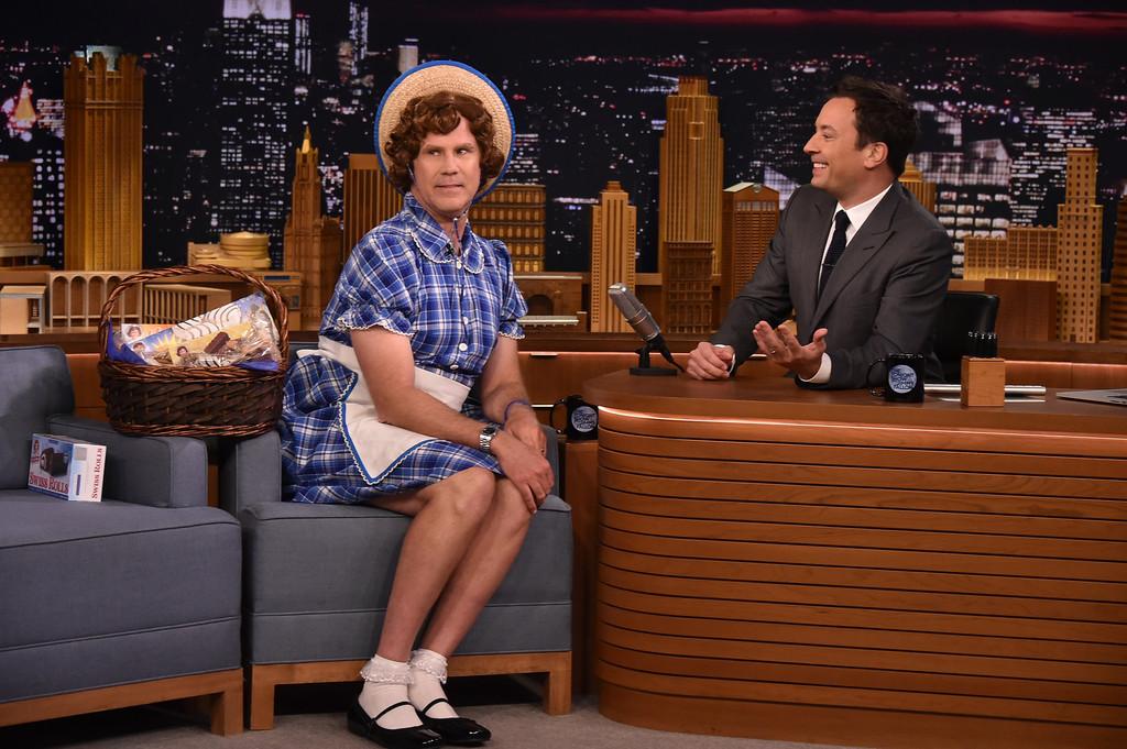 """Will Ferrell travestito da """"Little Debbie"""" durante lo Show di Jimmy Fallon"""