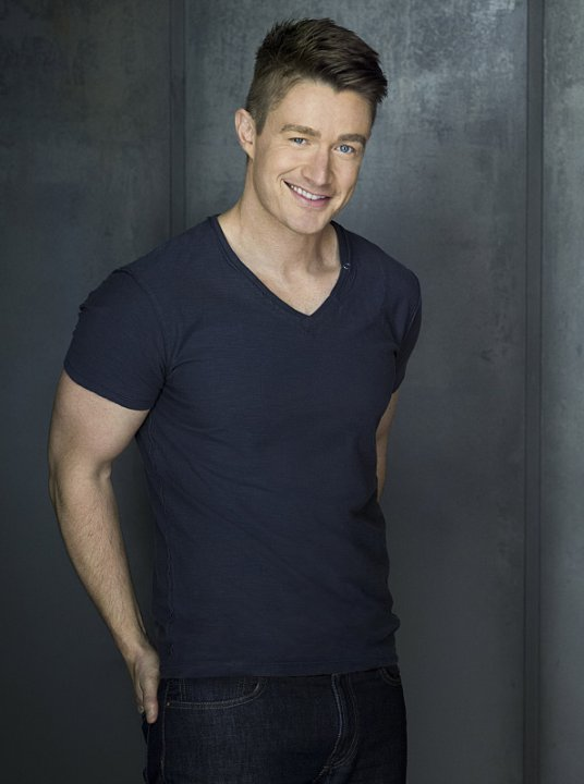 iZombie: Robert Buckley è Major Lilywhite in una foto promozionale della serie CW