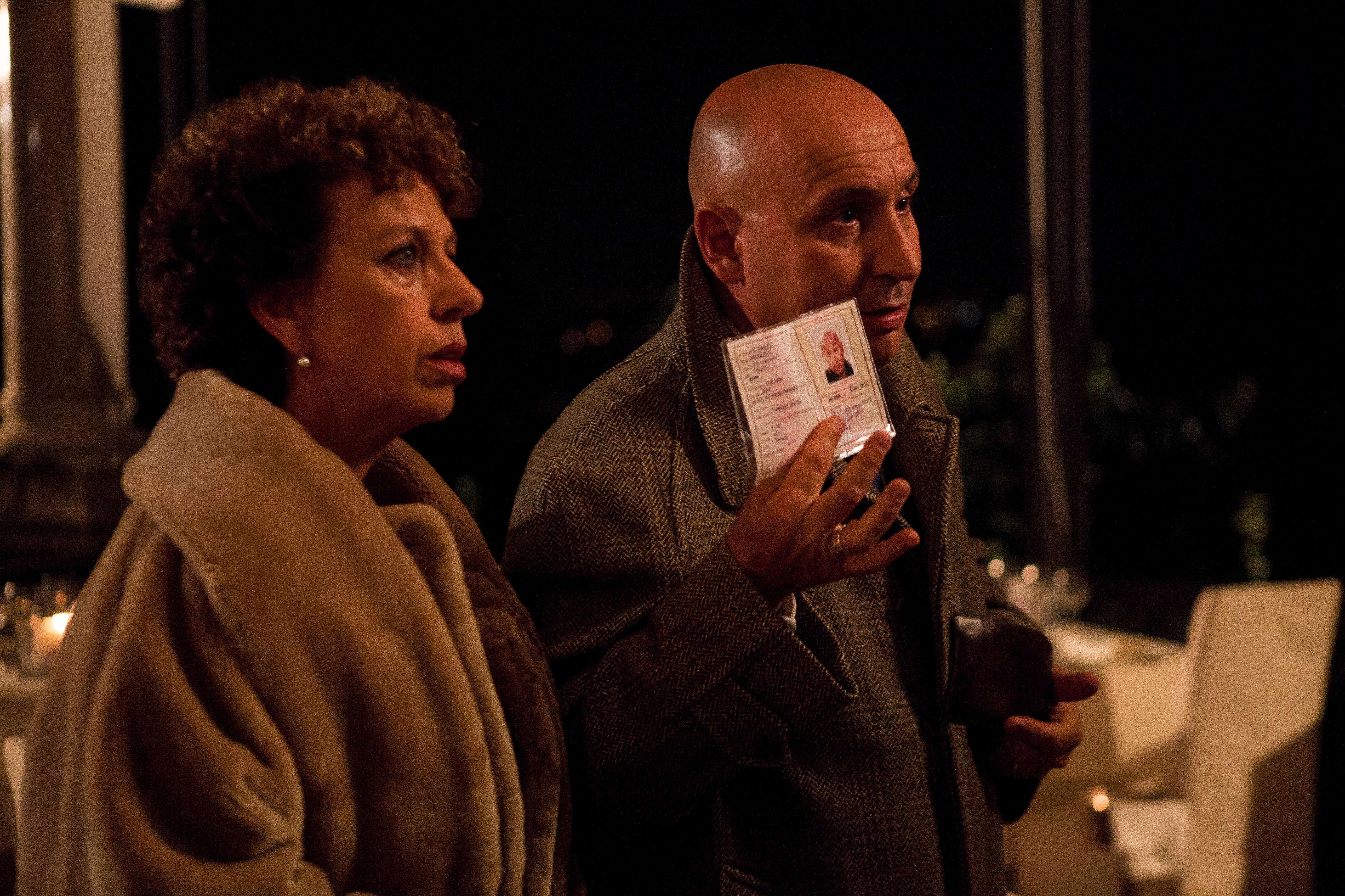 Uno, anzi due - Paola Cruciani con Maurizio Battista in una scena
