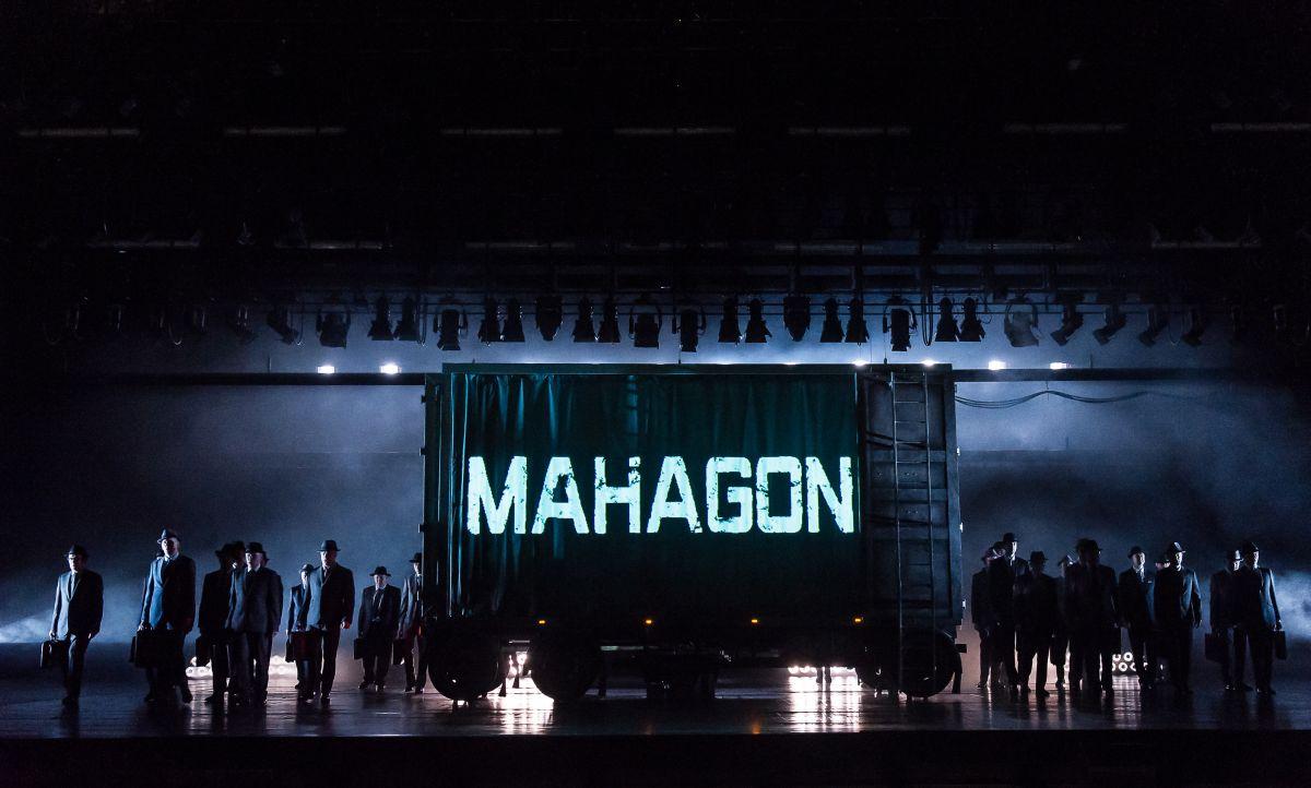 Royal Opera House - Ascesa e discesa della città di Mahagonny: un'immagine dello spettacolo