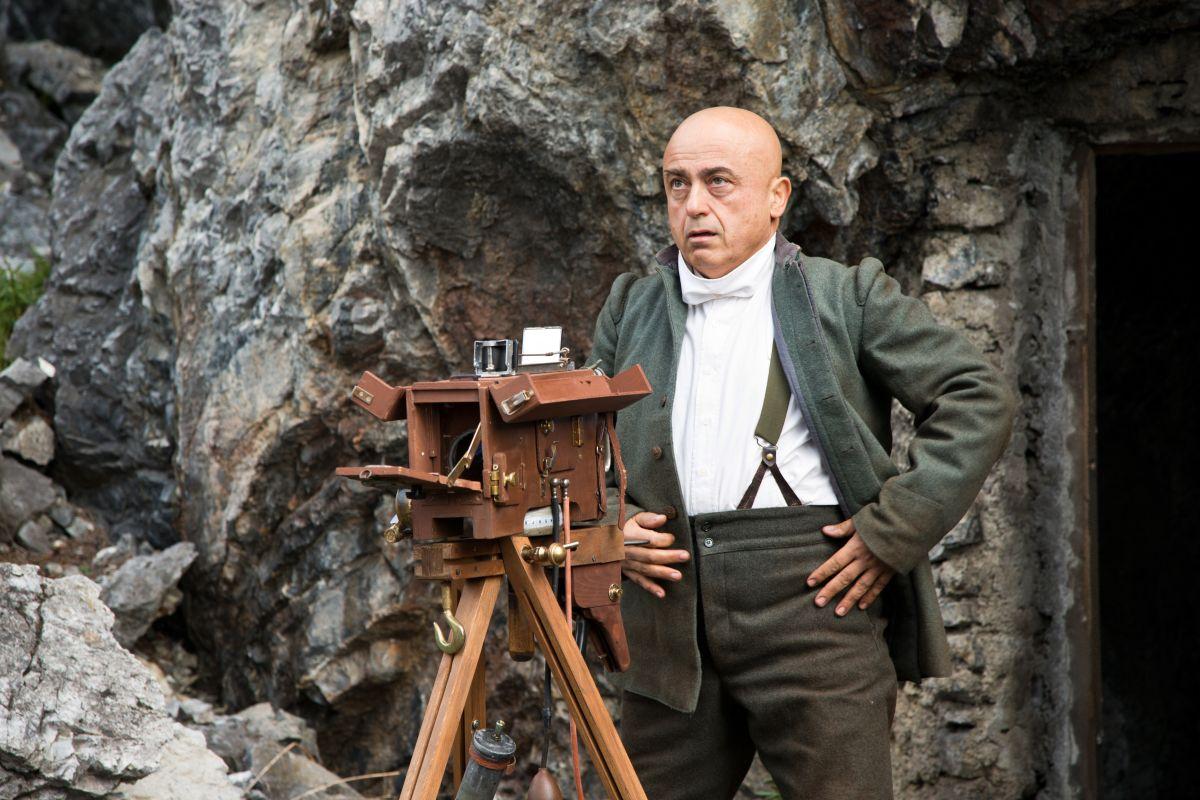 Soldato semplice: Paolo Cevoli nel ruolo di Gino Montanari in una scena