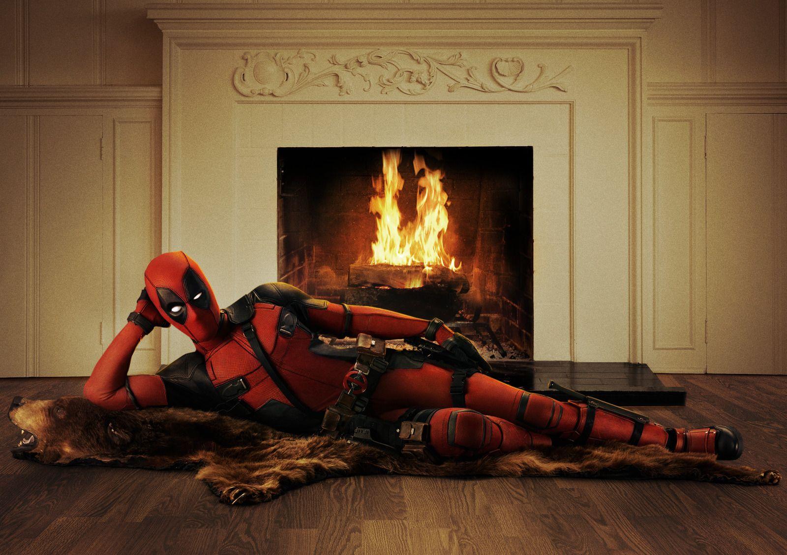 Deadpool: Ryan Reynolds indossa il costume del protagonista del film