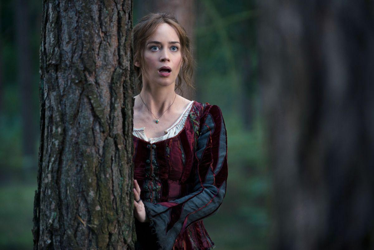 Into the Woods: Emily Blunt in una scena