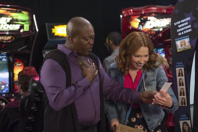 Unbreakable Kimmy Schmidt: Titus Burgess ed Ellie Kemper interpretano Titus e Kimmy