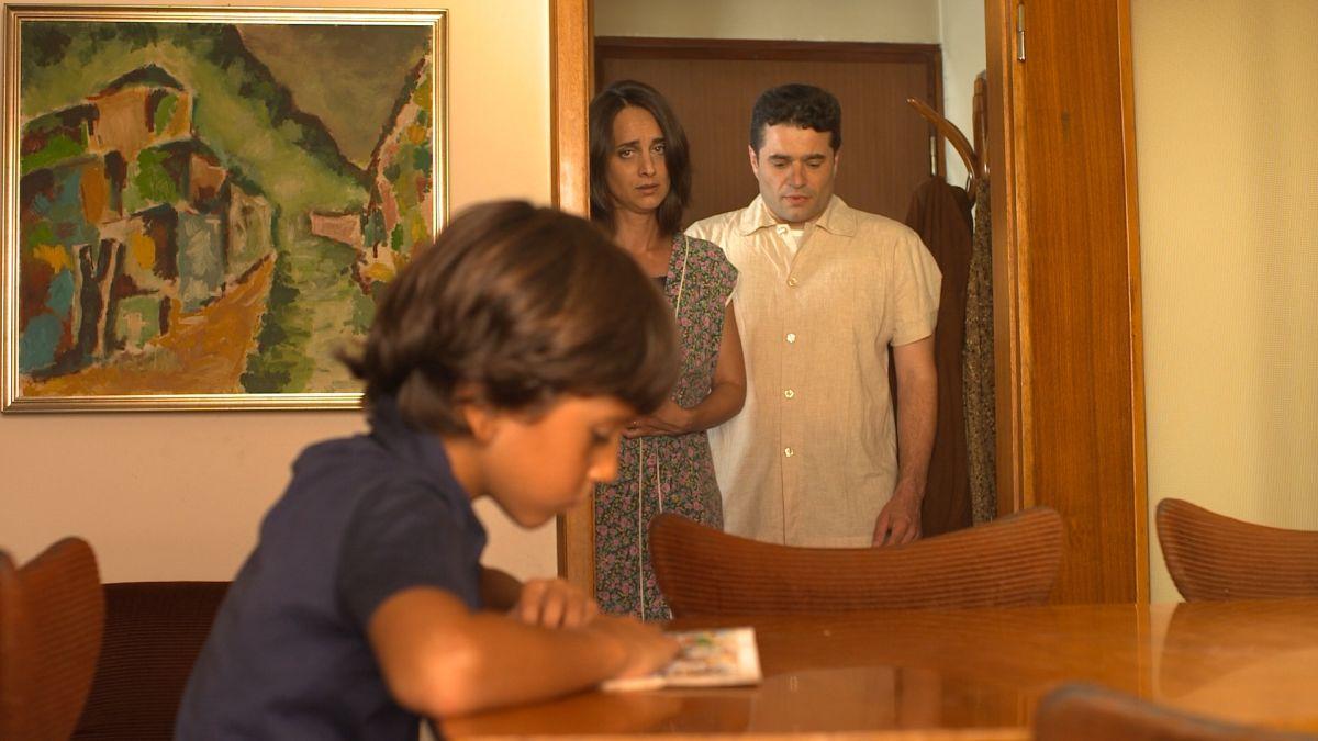La dolce arte di esistere: Edoardo Olivieri con Beatrice Uber e Giuliano Comin in una scena del film