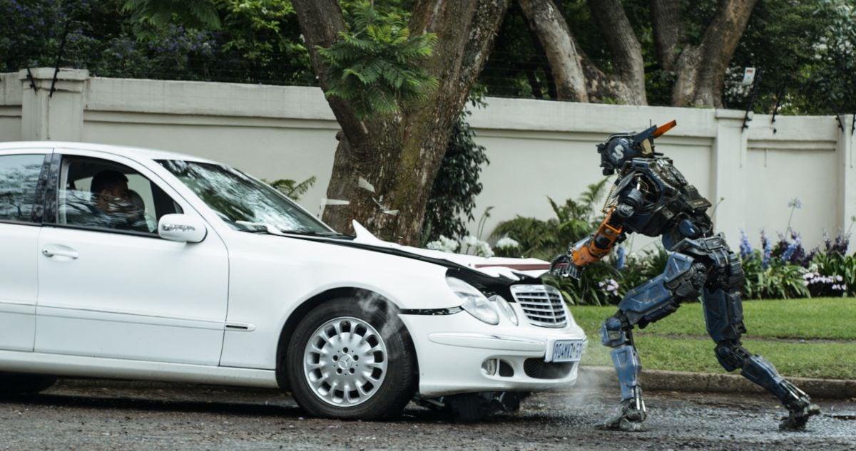 Humandroid:  una scena action del film