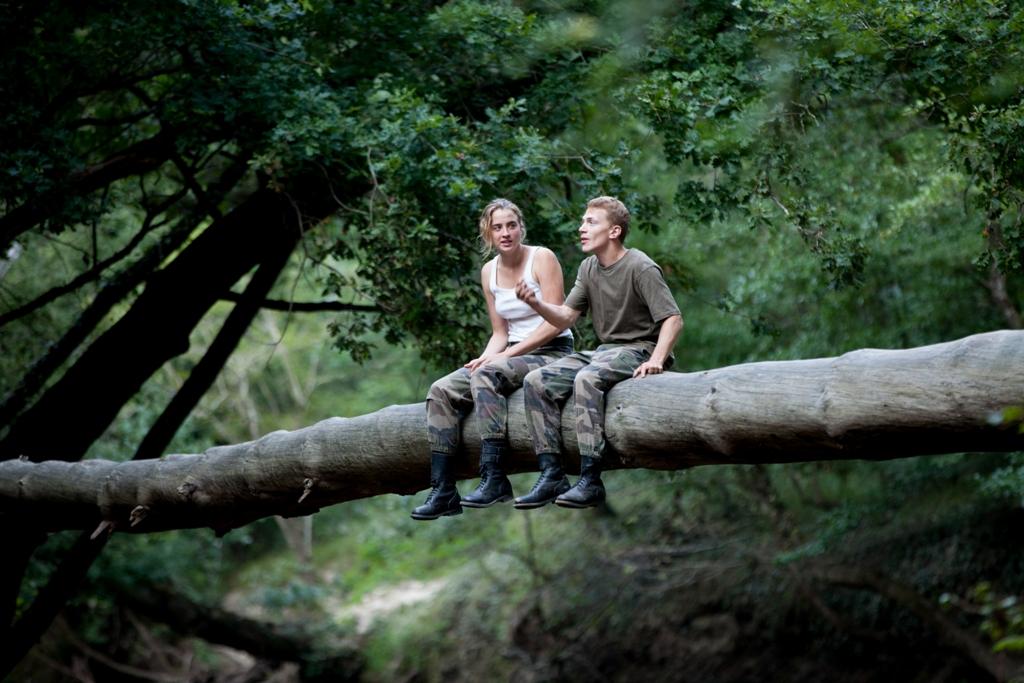 The Fighters - Addestramento di vita: Adele Haenel e Kévin Azaïs nei panni di Madeleine e Arnaud in una scena del film