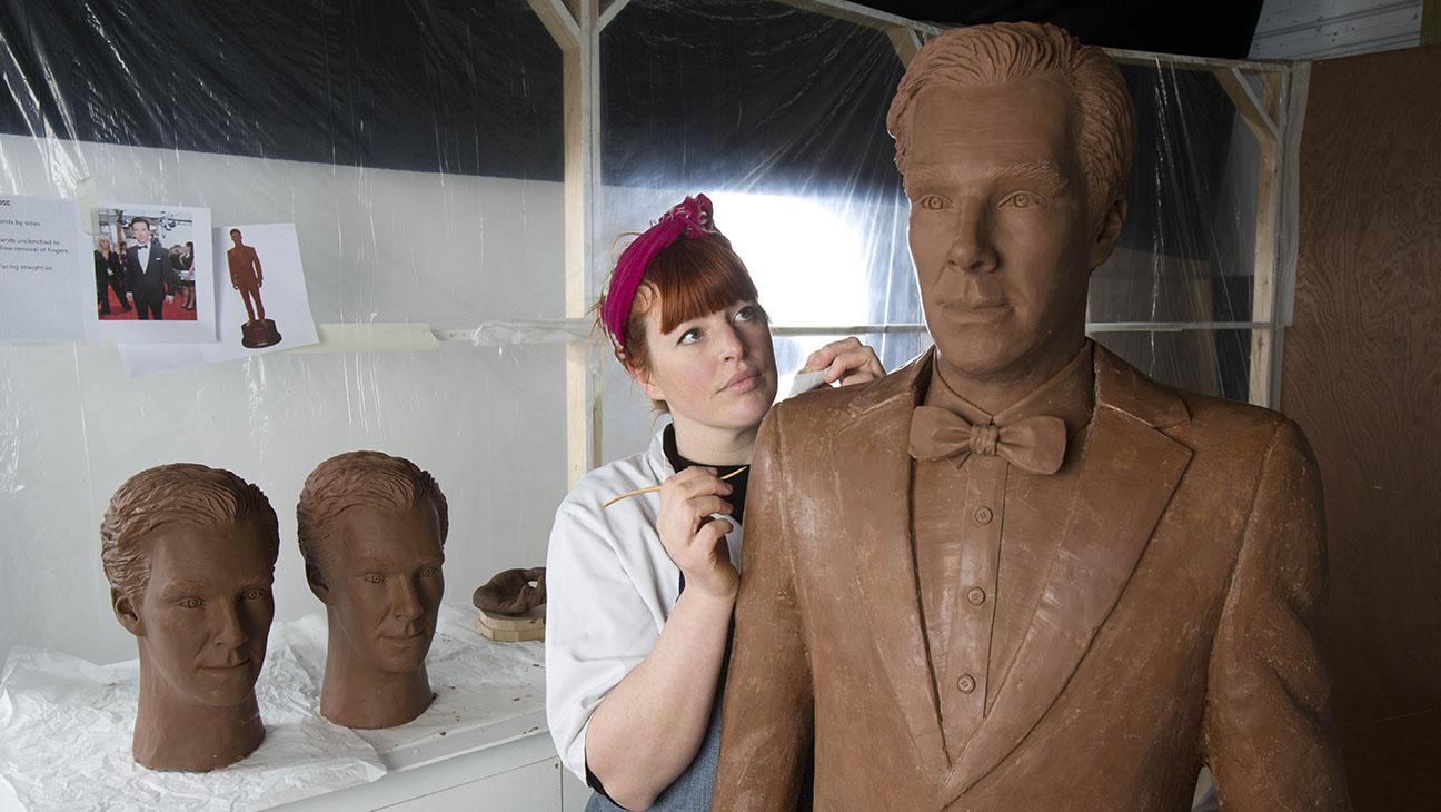 Benedict Cumberbatch ha una statua di cioccolata a grandezza naturale