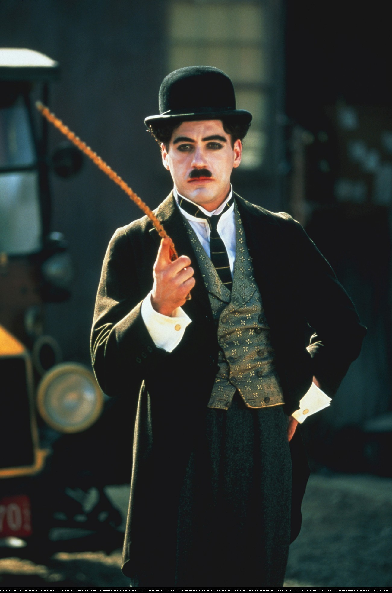 Robert Downey jr. in Charlot